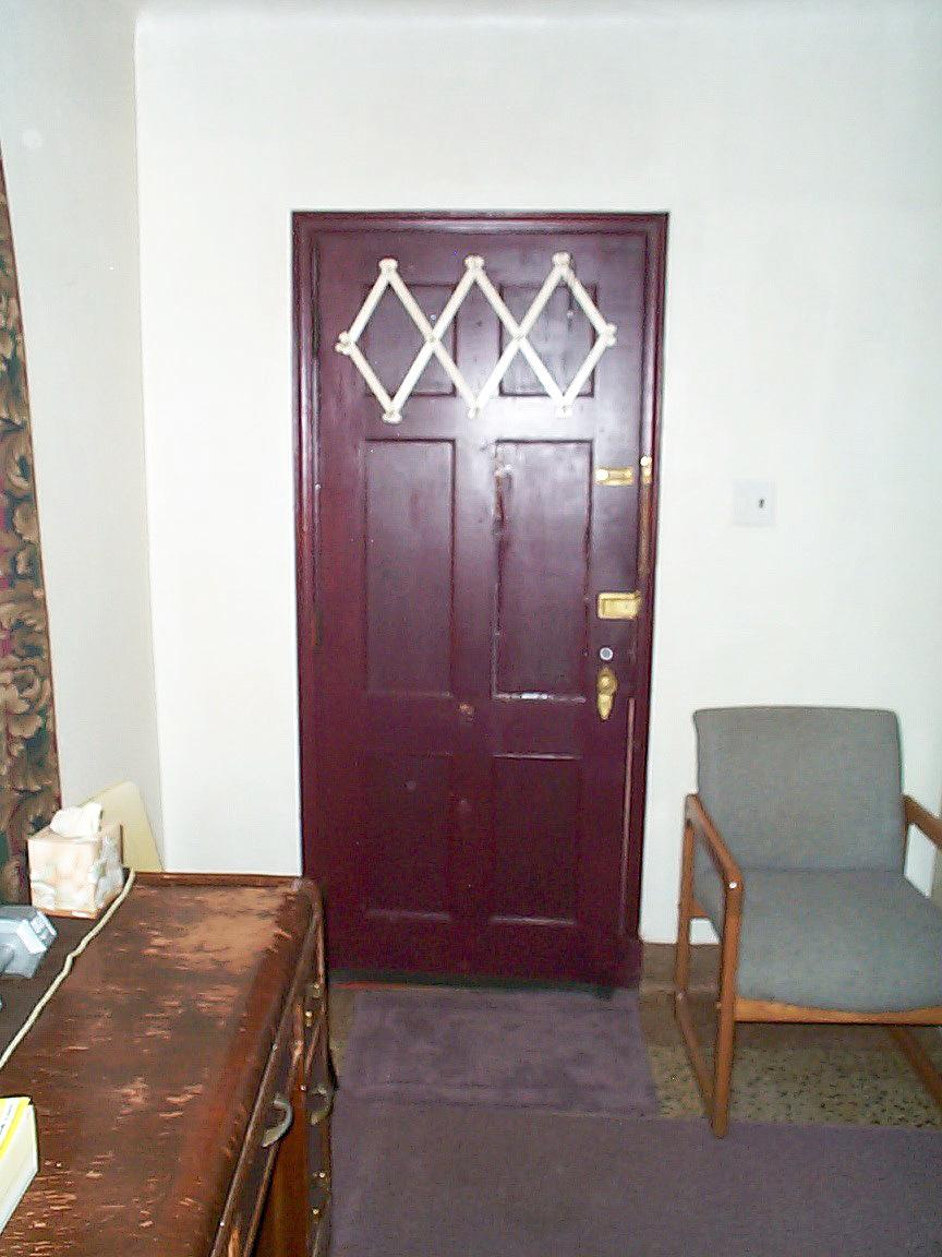 Motel Room Interiors: PHOTO GALLERY THIRTY-FIVE. LA CASA GRANDE MOTEL-ROUTE 66